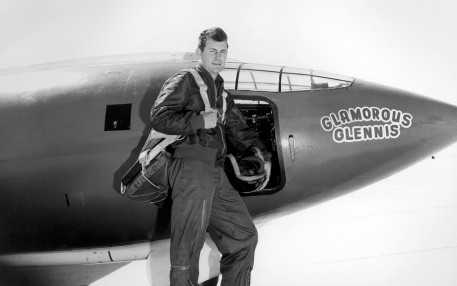 Chuck_Yeager_2